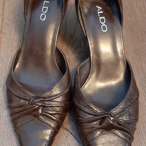 Aldo leather pointy toe heals